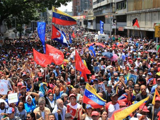 US ramps up pressure on Venezuela after failed coup attempt